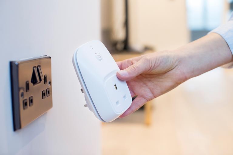 Smart Plug with Wifi Control
